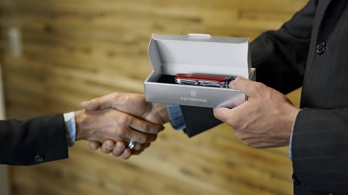 Hogyan válasszunk megfelelő céges ajándékot bármilyen alkalomra?