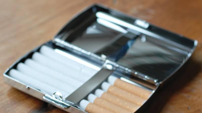 Ajándék dohányosoknak, dohány kellékek